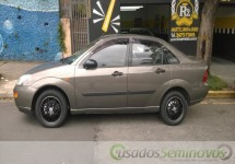 Focus Sedan 2.0 16V/ 2.0 16V Flex 4p  2001/2001